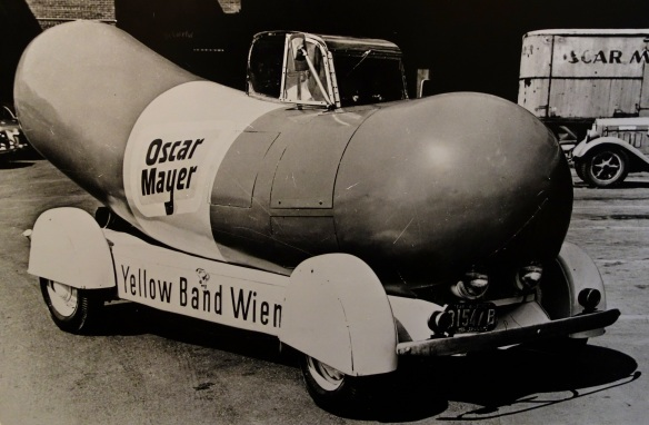 Wienermobile Oscar_Mayer_Foods